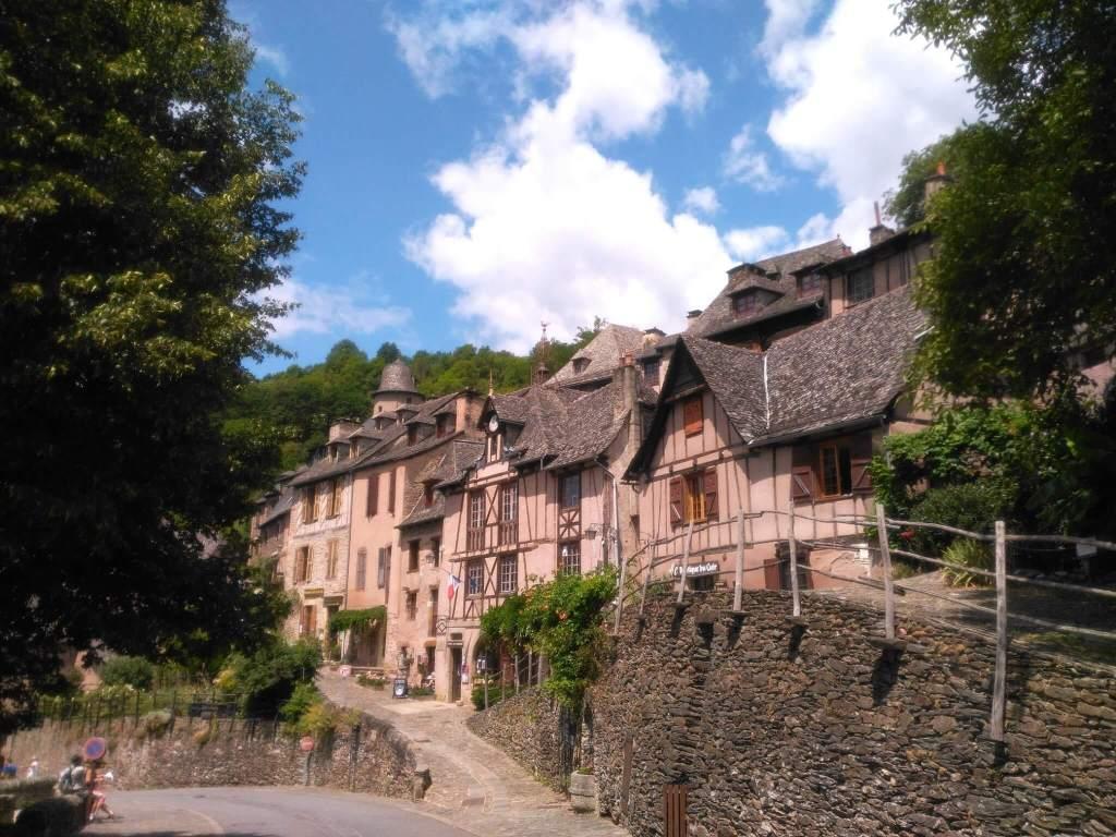 Vue de Conques village depuis l'Est