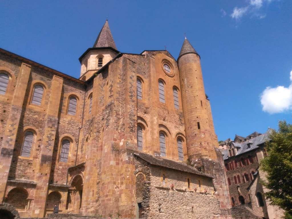 L'abbatiale de Conques : façade sud